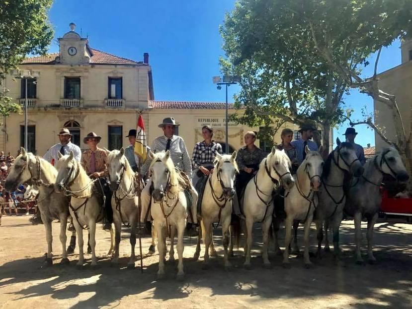 Claude Chaballier gardians cheval camargue Marsillargues tradition camarguaises trident